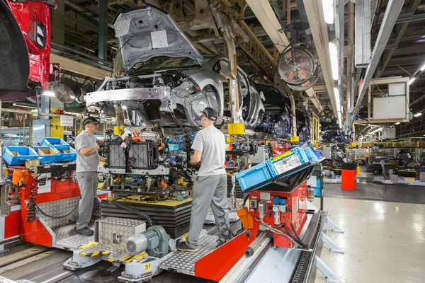 Nissan's LEAF becomes first European car with integrated battery to hit 50,000 on the production line