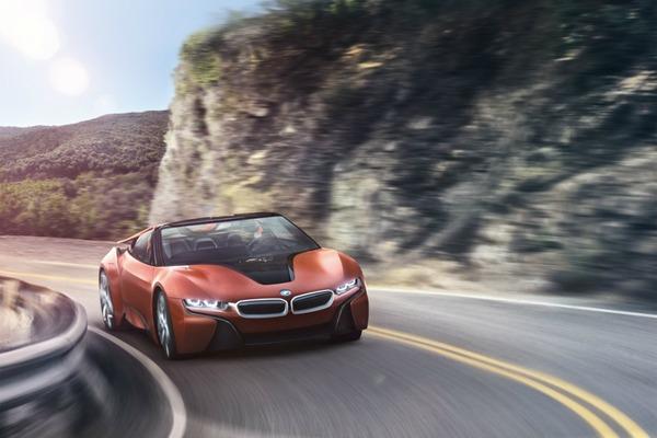 Automotive leaders pledge autonomy