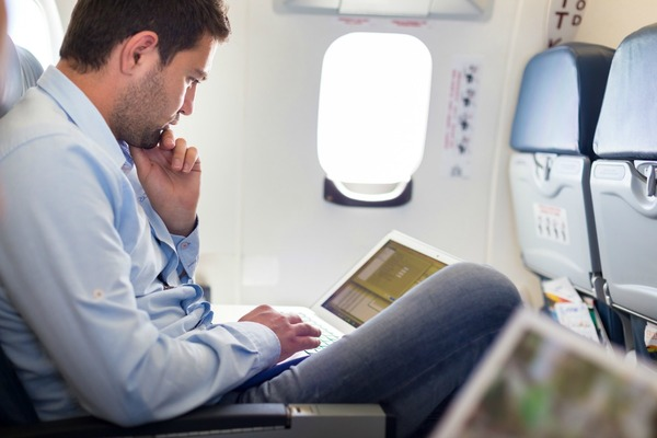 AceAxis radio head to power in-flight broadband