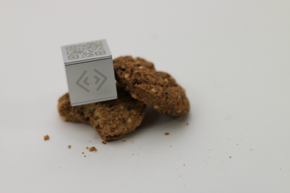 The one-inch cubes connect, monitor and report data on any object or surface