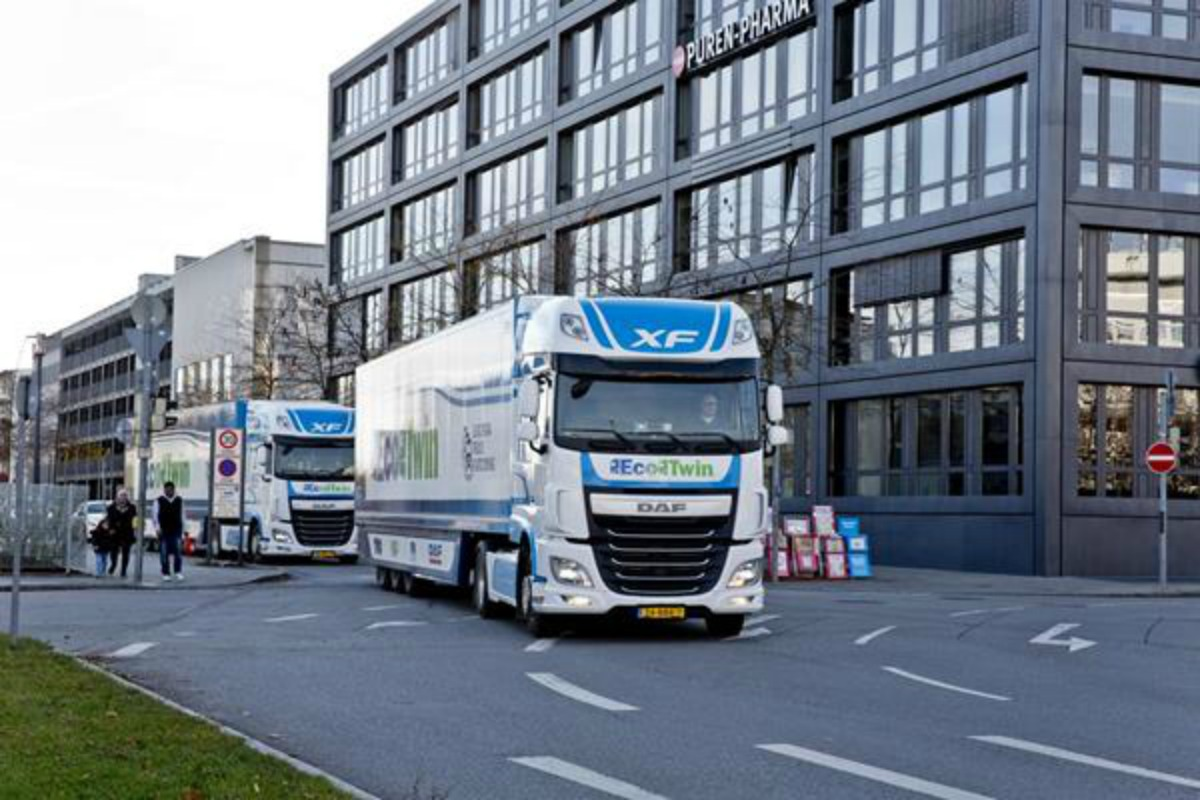 Truck platooning can be seen in action ahead of the Electronica event in Munich