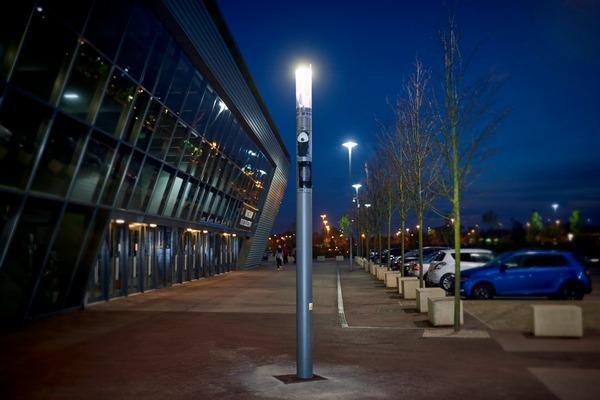 Schréder installs UK's first wi-fi streetlight