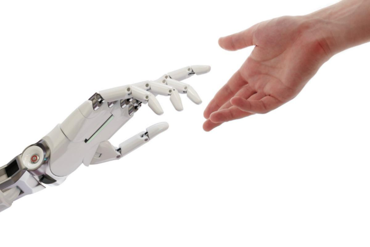 A friendly hand to help in the transition to AI processes