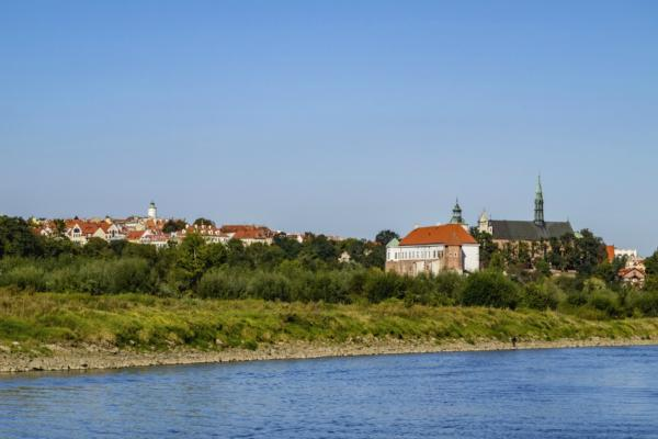 Connectivity to Poland's underserved regions