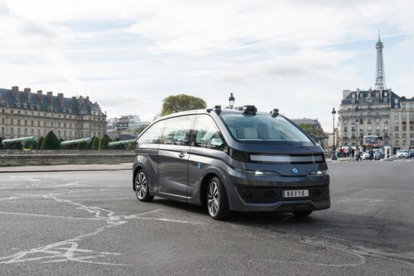 Navya unveils autonomous taxi