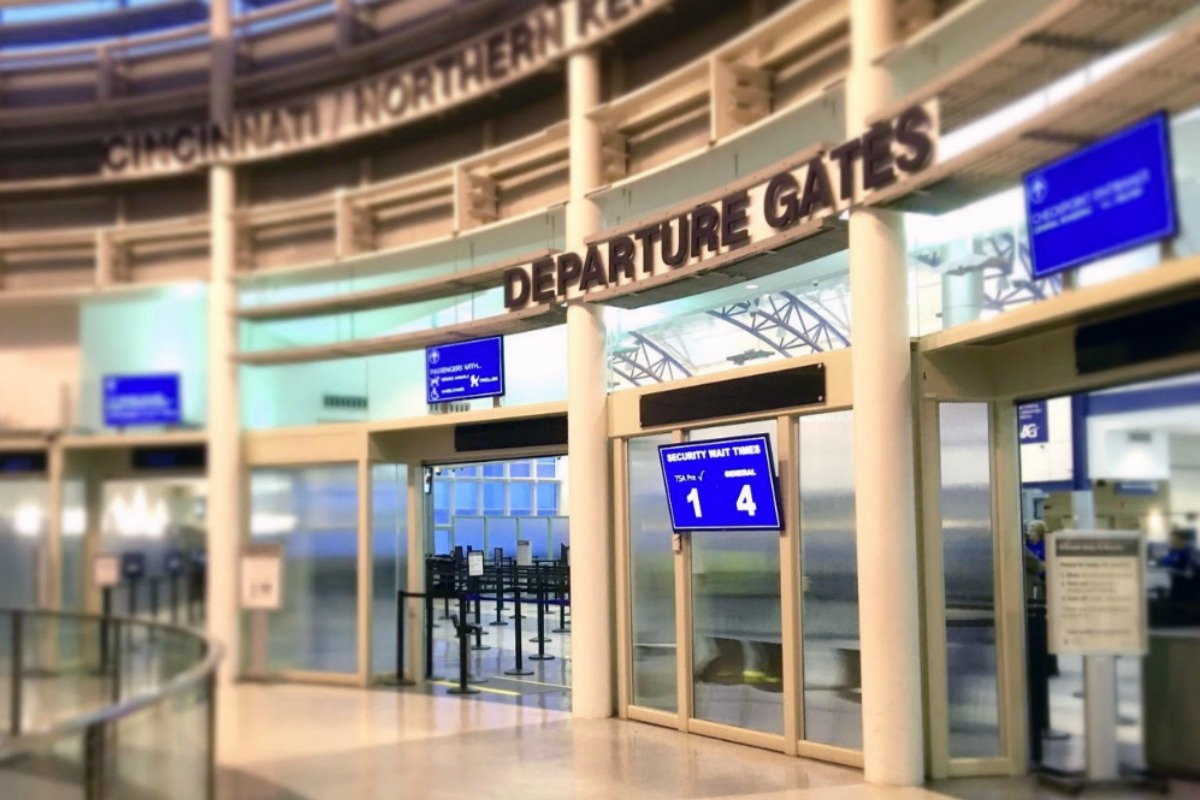 In 2016, the airport achieved its best ranking in 21 years of the USDOT airfare report