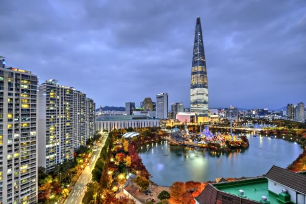 Linking smart grids and smart cities