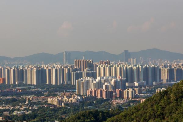 Hong Kong pilots smart street lighting