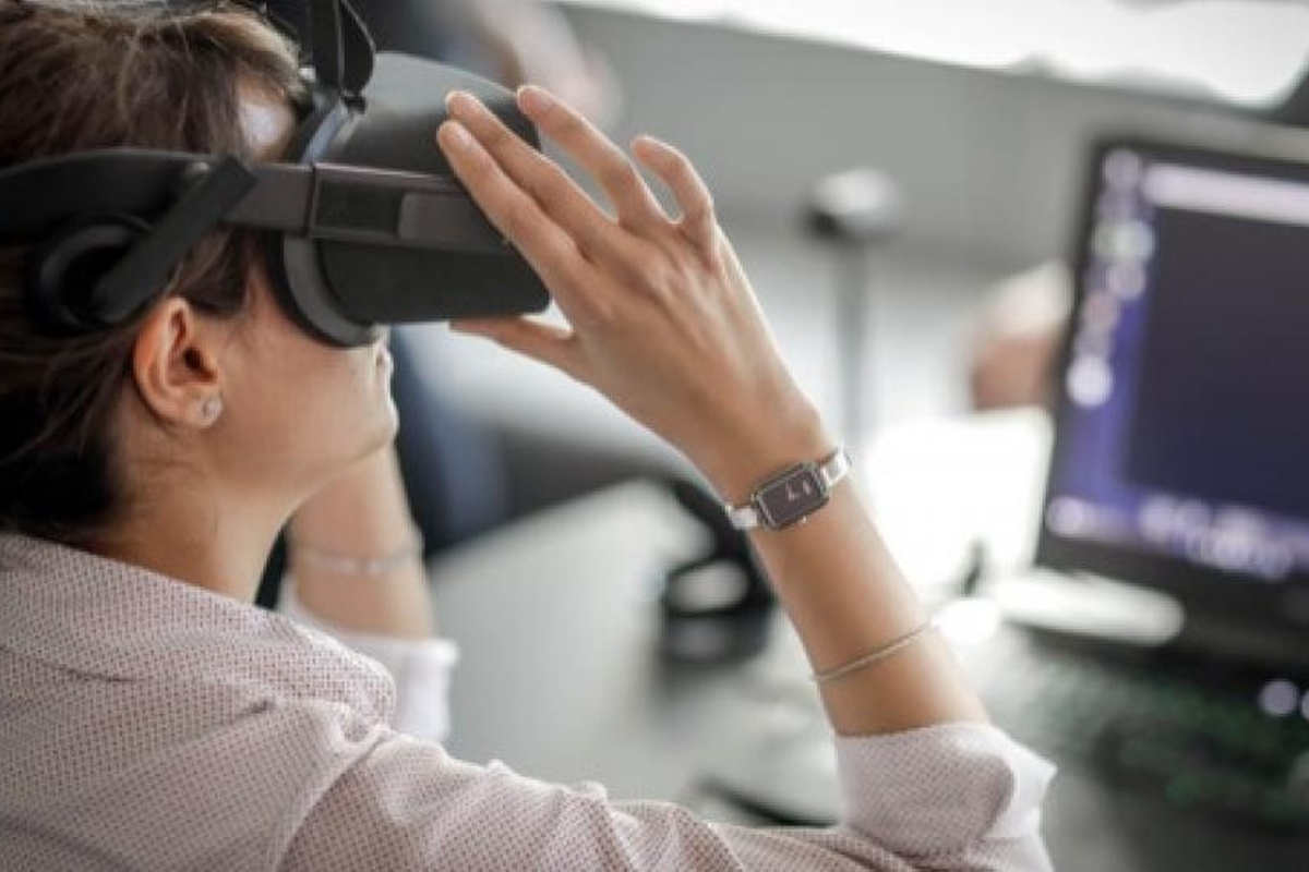 Virtual reality will be one of the technologies used in the lab to support decision-making