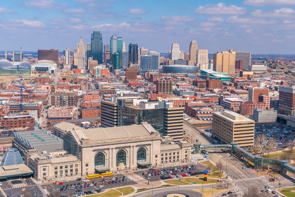 The wireless service will stretch from Downtown Kansas City to Overland Park