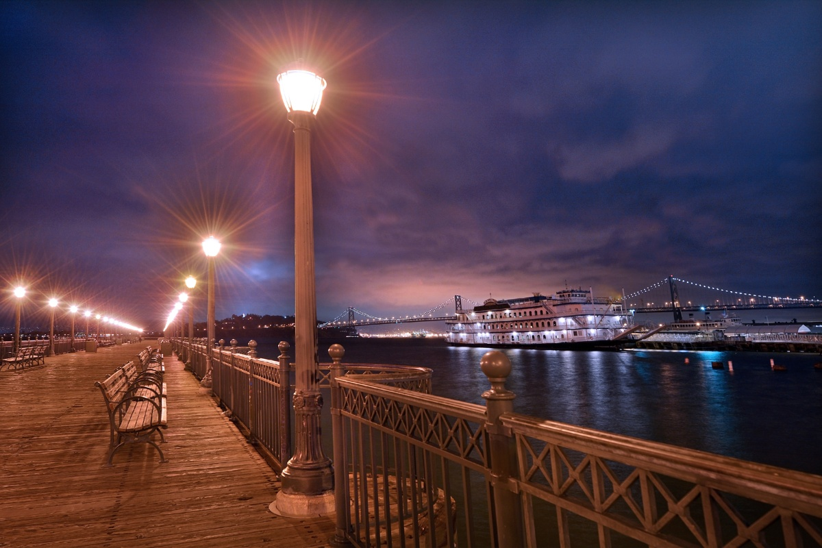 Declining hardware costs are one of the factors helping US smart streetlighting to scale