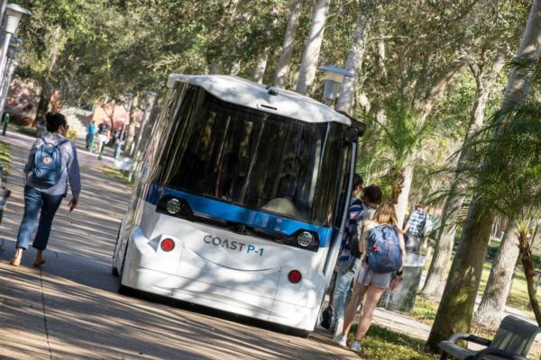 University trials driverless shuttle