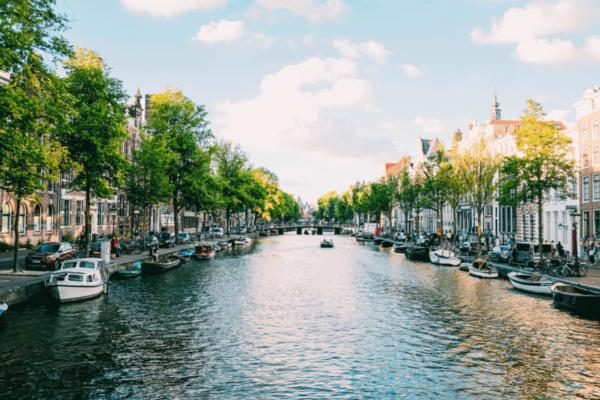 Netherlands to power vehicles with water-based fuel