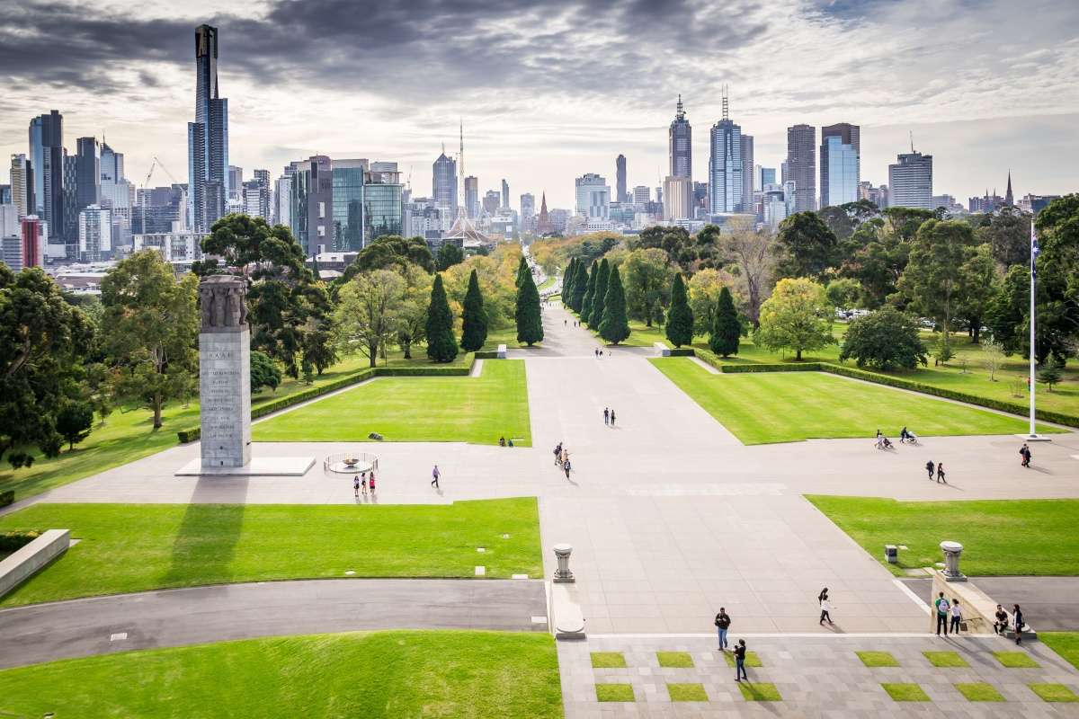 Increasing Melbourne's tree canopy will help reduce the urban heat island effect