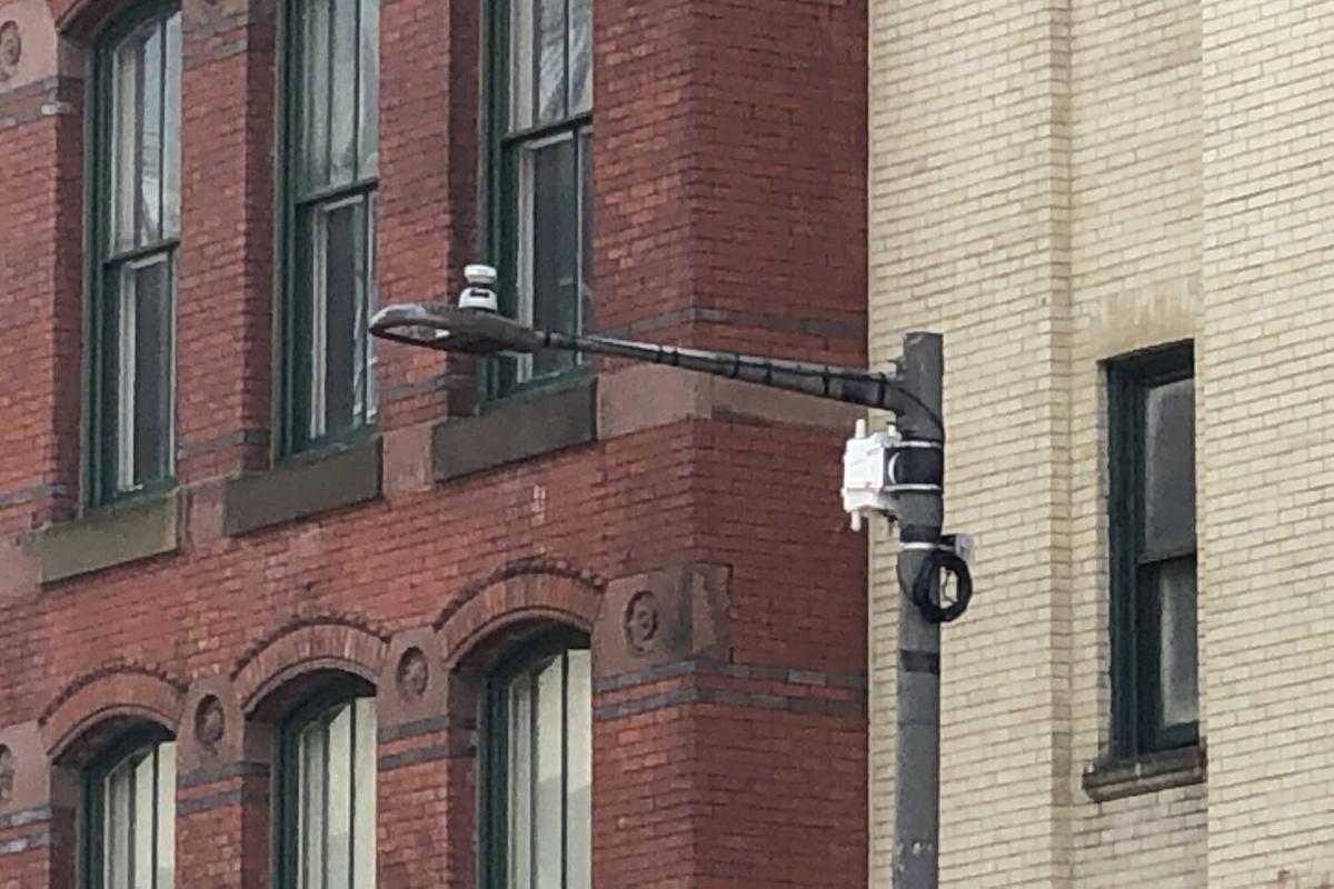 An air quality monitor in Arch Street, Philadelphia