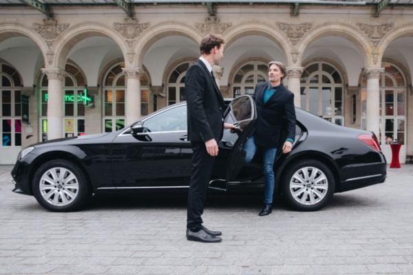 Door-to-door transport for travellers across France