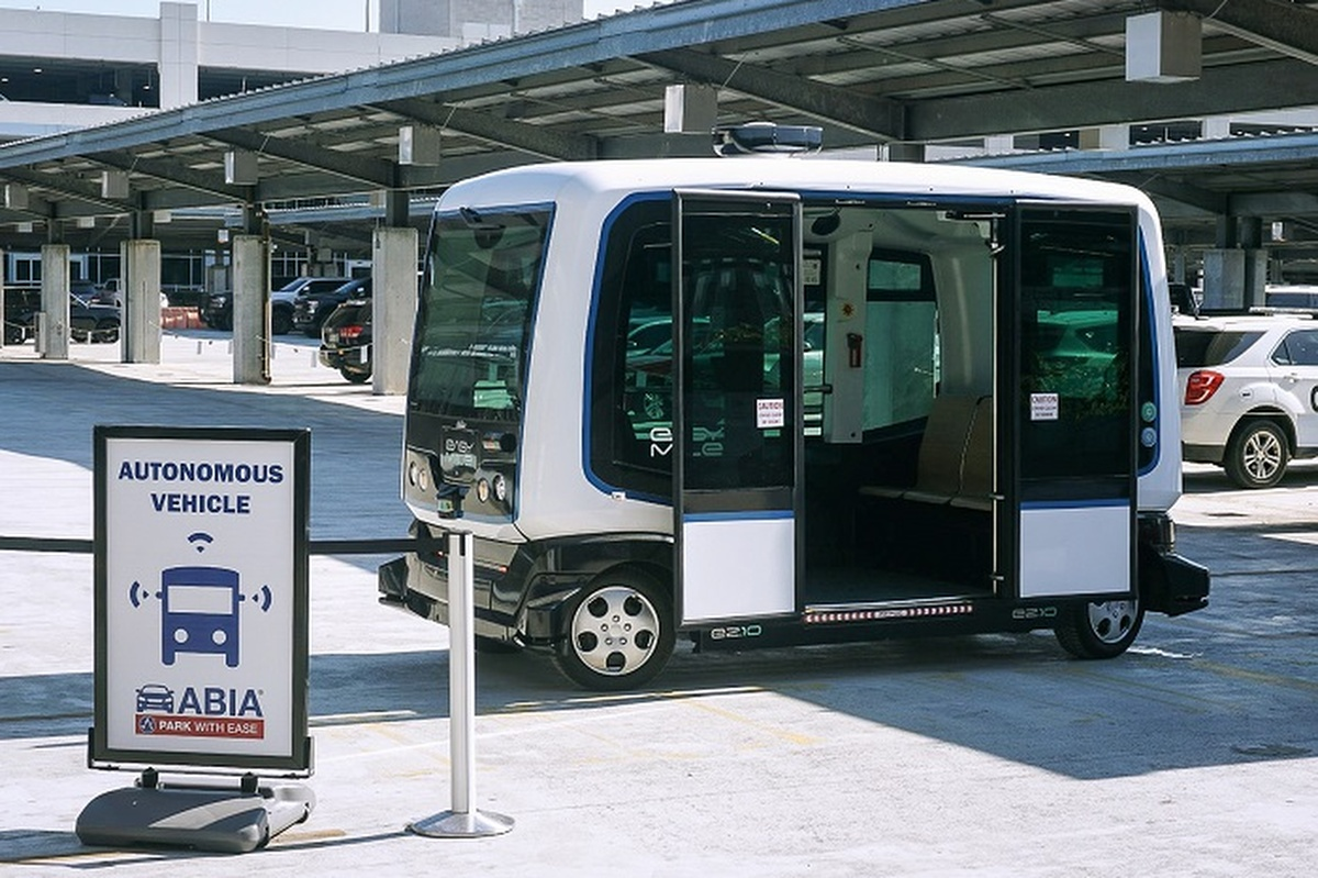 The driverless pilot moves into public stage. Photo: Austin-Bergstrom International Airport Parking