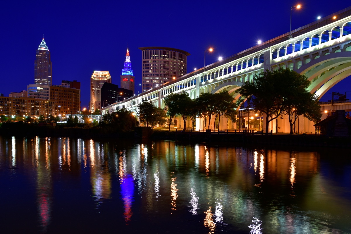 The network will manage Cleveland's 61,000 streetlights