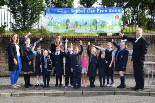 Glasgow trials car free zones outside of schools