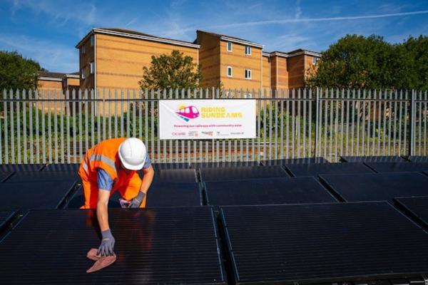Pilot project pioneers solar-powered rail
