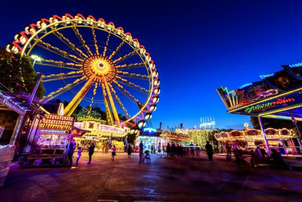 What can theme parks teach us about smart cities?