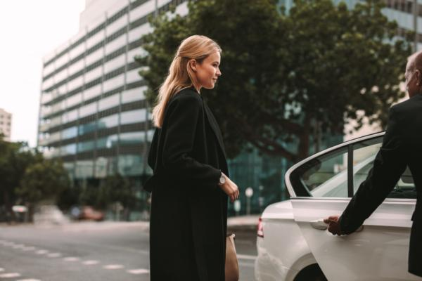 Karhoo and iVcardo partner for first and last mile travel everywhere
