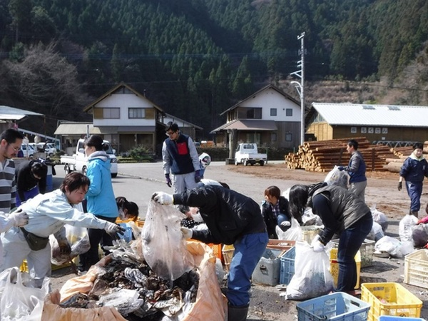 """""""Small things add up"""": The Japanese town leading the zero-waste charge"""