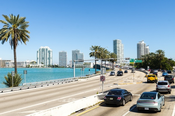 Miami app rewards commuters for adopting shared transit