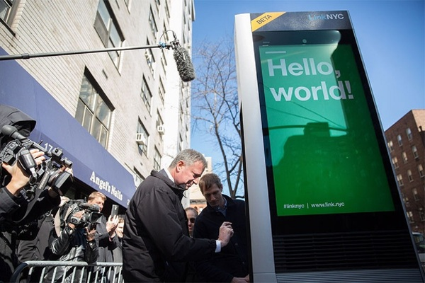 City Hall loses patience over LinkNYC delays