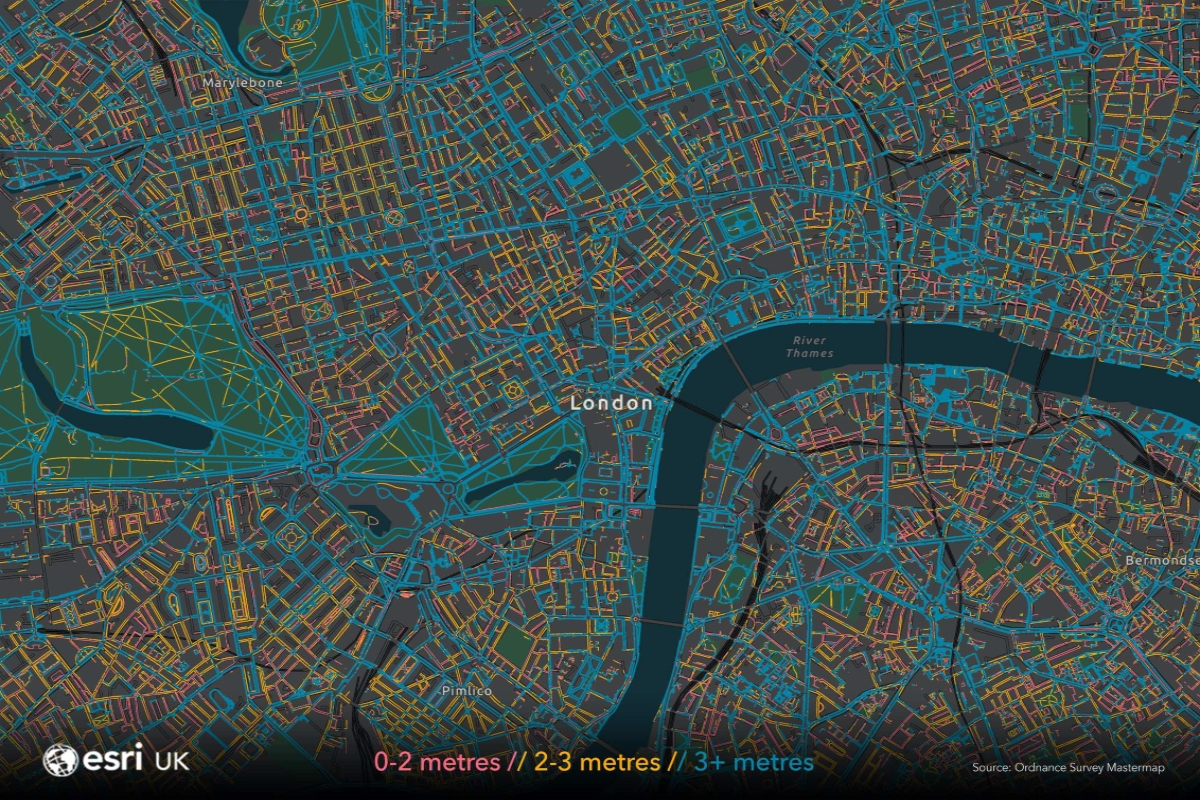The map colour codes the width of London's pavements