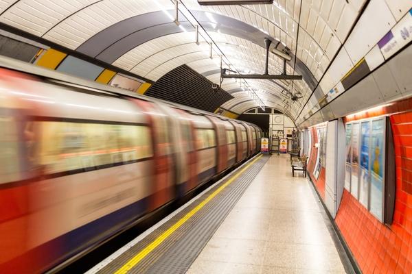 London mayor progresses plans to power tube with green energy