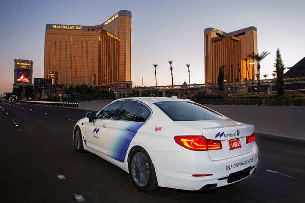 Las Vegas self-driving mobility service resumes operation