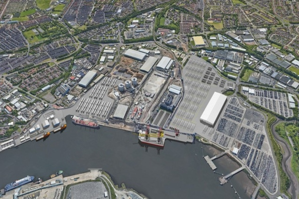 UK port cuts carbon emissions by 700 tonnes in 12 months