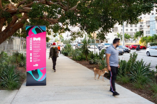 Miami deploys informational signs to enhance public transportation experience