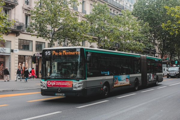 Ile-de-France Mobilités selects partners to upgrade on-board ticketing