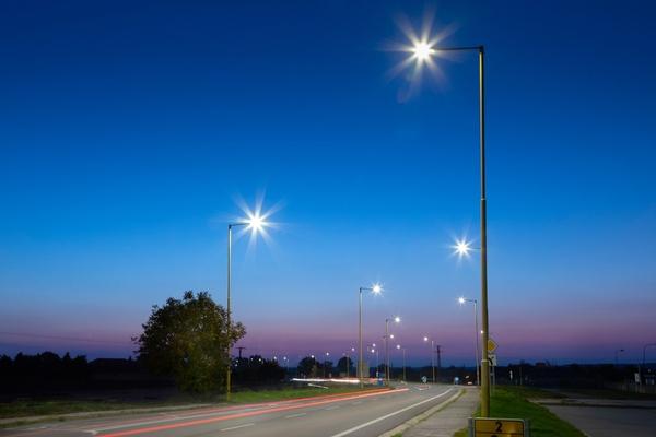 Installed base of smart streetlights nears 20 million