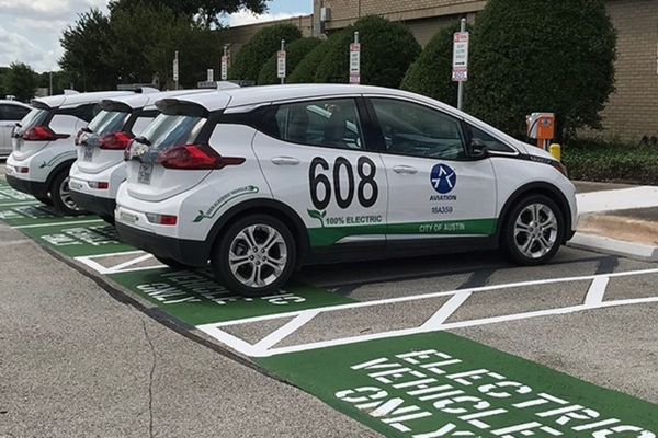 Austin steps up roll-out of electric charging ports