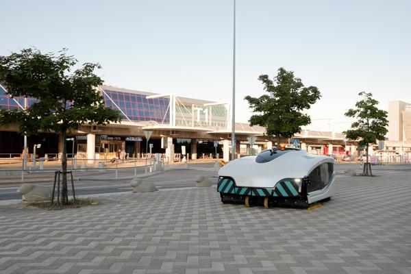 Autonomous street sweeper pilot moves to Helsinki Airport