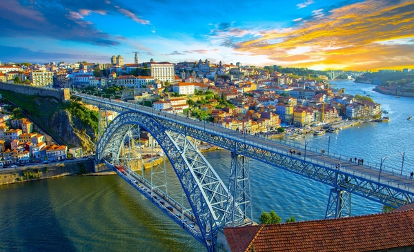 Porto introduces contactless transit ticketing