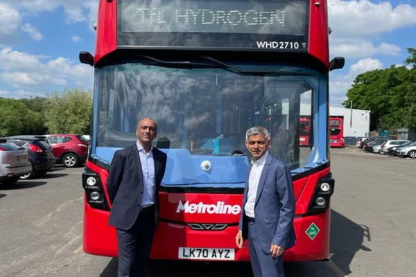 London introduces hydrogen-powered double decker buses