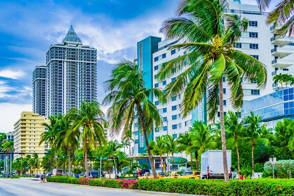 Miami installs smart city kiosks for connectivity and services